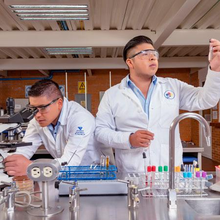 Licenciatura en Químico Farmacéutico Biólogo en Univermilenium